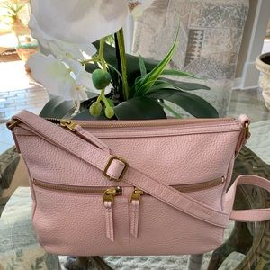 FOSSIL PINK LEATHER CROSSBODY BAG🌸🗝